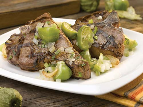 grilled american lamb loin chops with tomatillo